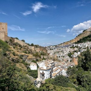 Het voor Travelmoto populaire dorp Cazorla waar u tijdens onze routes zal overnachten.