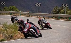 Motoren op weg naar Ronda op de A397, wij ontmoeten elkaar altijd bij Venta el Madroño km28 op deze weg.