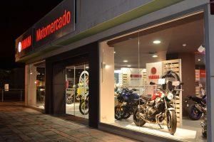 Front van onze nieuwe Yamaha shop in Fuengirola.